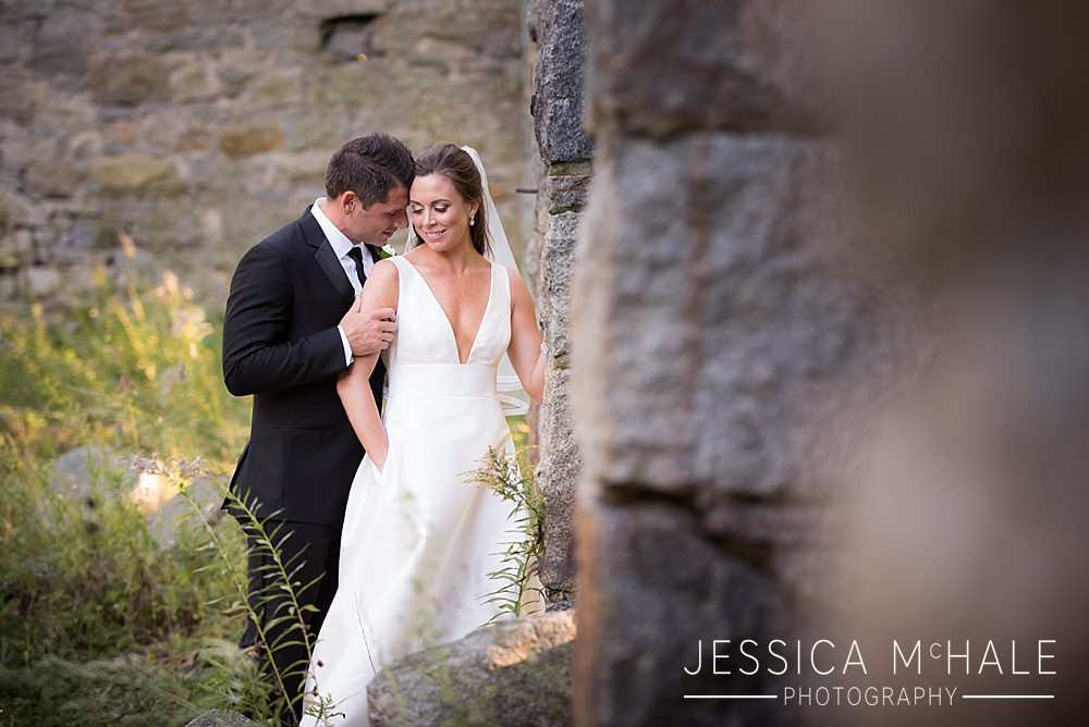 granite links wedding portrait ruins